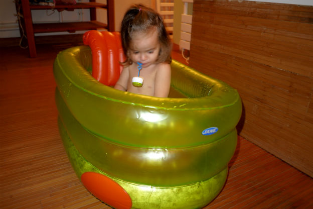 test produit la baignoire gonflable jan giveaway. Black Bedroom Furniture Sets. Home Design Ideas