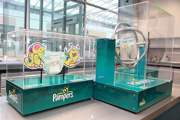 Visite du centre de recherche et de d veloppement pampers - Couche pampers en gros allemagne ...