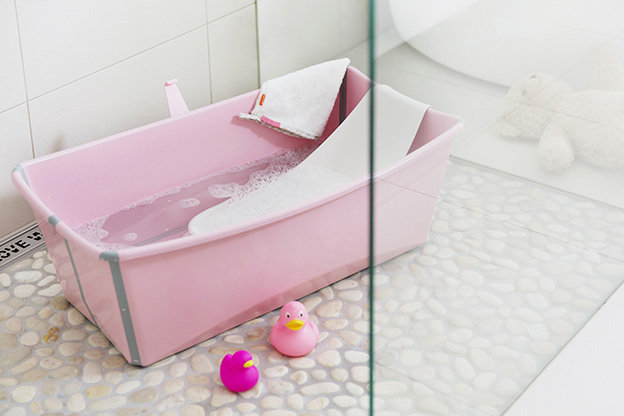 test produit la baignoire pliable stokke flexi bath. Black Bedroom Furniture Sets. Home Design Ideas